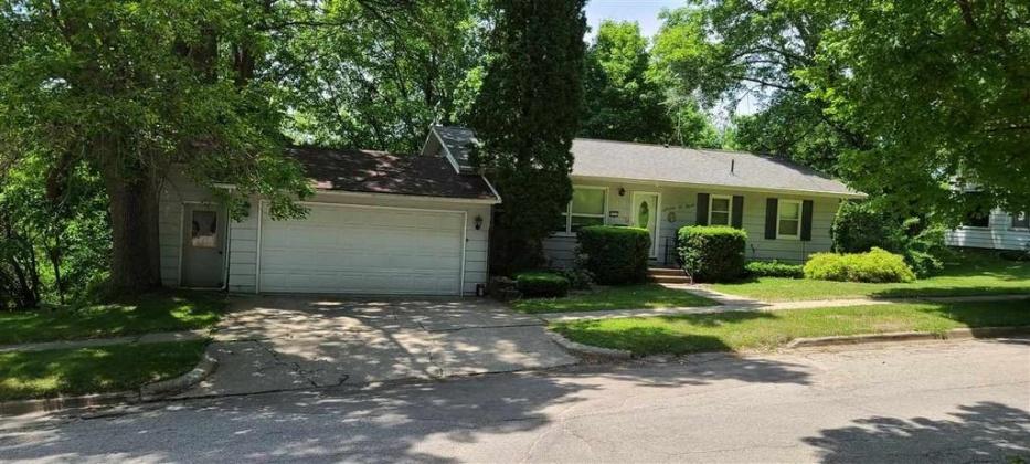 309 NE Second St, Elkader, Iowa 52043, 3 Bedrooms Bedrooms, ,1 BathroomBathrooms,Single Family,For Sale,NE Second St,8947204813264846886